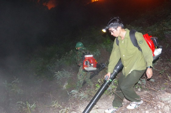 Cơ bản khống chế được đám cháy rừng ở Hà Tĩnh ảnh 15