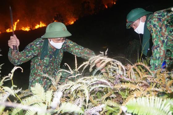 Cơ bản khống chế được đám cháy rừng ở Hà Tĩnh ảnh 16