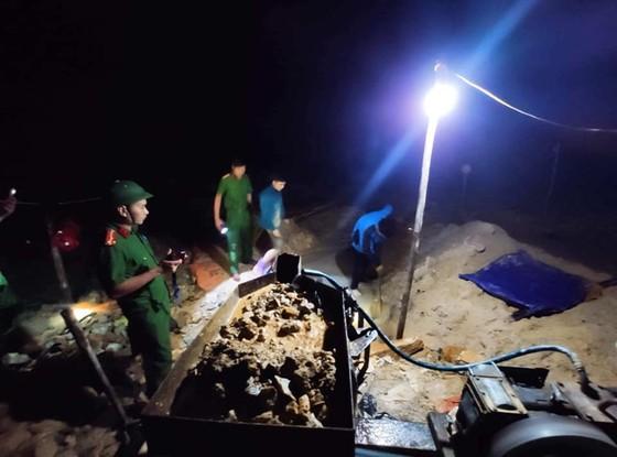 Phát hiện 2 vụ khai thác vàng trái phép trong đêm ở Hà Tĩnh ảnh 2