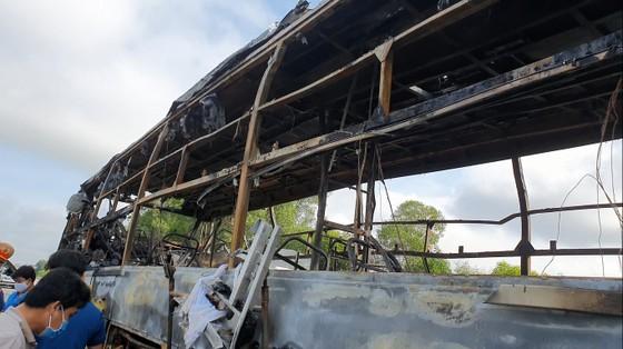 Xe khách bốc cháy lúc rạng sáng trên Quốc lộ 1 ở Hà Tĩnh ảnh 10
