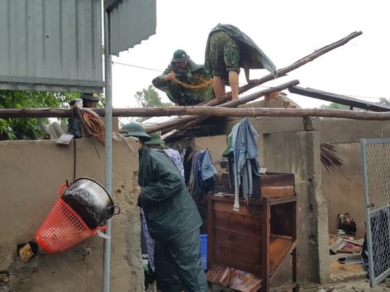 Lốc xoáy gây thiệt hại hàng tỷ đồng ở hai xã ven biển Hà Tĩnh ảnh 7