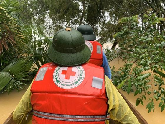 Hà Tĩnh khẩn trương tổ chức sơ tán các hộ dân ở vùng có nguy cơ cao lũ quét, sạt lở đất và ngập lụt sâu ảnh 12