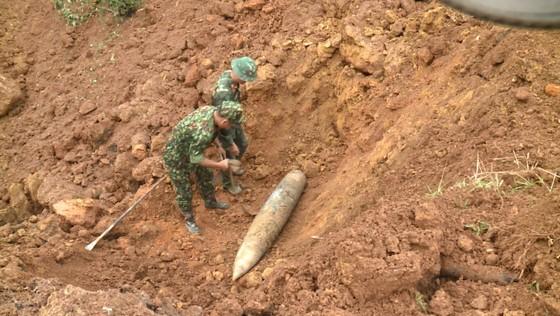 Hà Tĩnh xử lý 2 quả bom còn sót lại sau chiến tranh ảnh 10