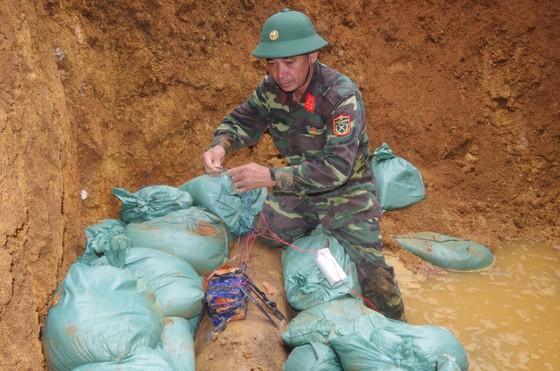 Hà Tĩnh xử lý 2 quả bom còn sót lại sau chiến tranh ảnh 13