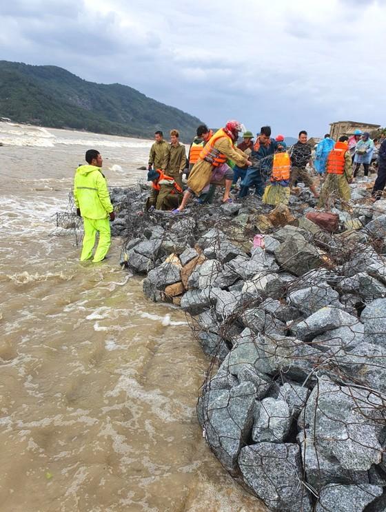 Nỗi lo sạt lở kè biển trong mùa mưa bão tại Hà Tĩnh ảnh 2