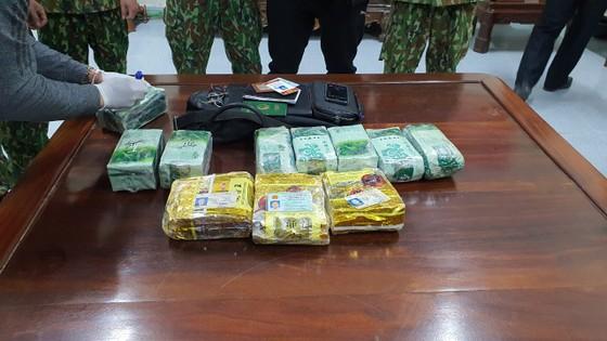 Bắt giữ đối tượng vận chuyển 11kg ma túy trên biên giới ảnh 7