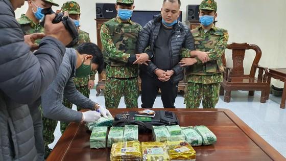 Bắt giữ đối tượng vận chuyển 11kg ma túy trên biên giới ảnh 8