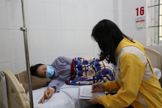 Hà Tĩnh: Nhiều người nhập viện nghi ngộ độc thực phẩm ảnh 2