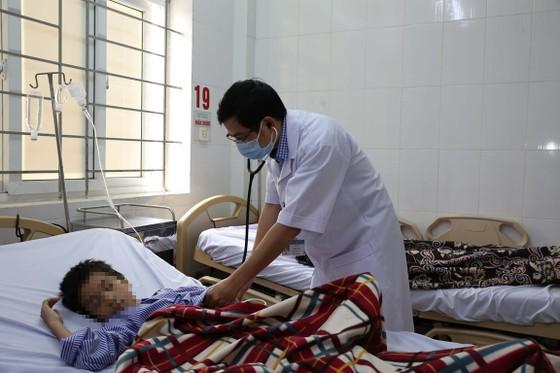 Hà Tĩnh: Nhiều người nhập viện nghi ngộ độc thực phẩm ảnh 1