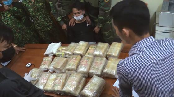 Hà Tĩnh: Bắt giữ đối tượng vận chuyển ma túy số lượng lớn ảnh 6