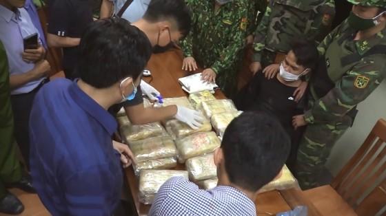 Hà Tĩnh: Bắt giữ đối tượng vận chuyển ma túy số lượng lớn ảnh 7