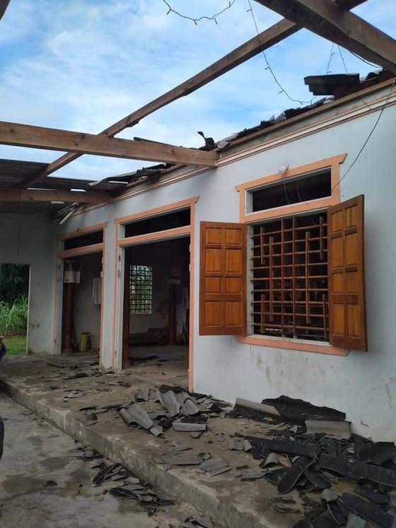 Lốc xoáy gây thiệt hại nặng về tài sản của người dân Hà Tĩnh ảnh 5