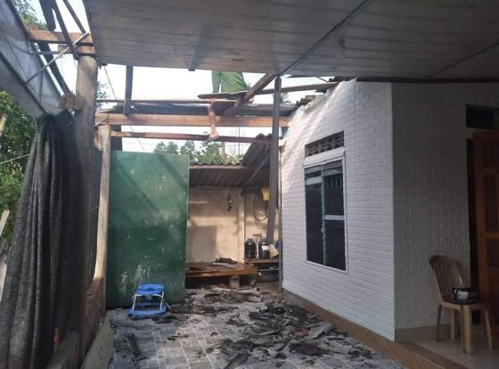 Lốc xoáy gây thiệt hại nặng về tài sản của người dân Hà Tĩnh ảnh 7