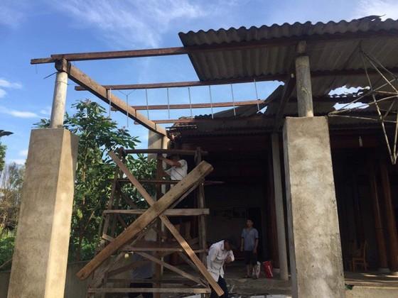 Lốc xoáy gây thiệt hại nặng về tài sản của người dân Hà Tĩnh ảnh 17