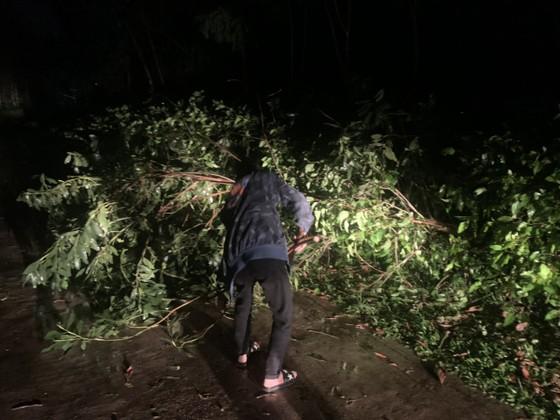 Lốc xoáy gây thiệt hại nặng về tài sản của người dân Hà Tĩnh ảnh 22