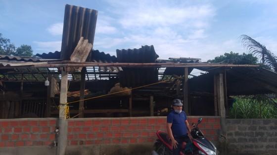 Lốc xoáy gây thiệt hại nặng về tài sản của người dân Hà Tĩnh ảnh 15