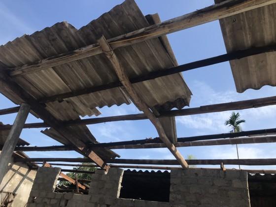 Lốc xoáy gây thiệt hại nặng về tài sản của người dân Hà Tĩnh ảnh 14