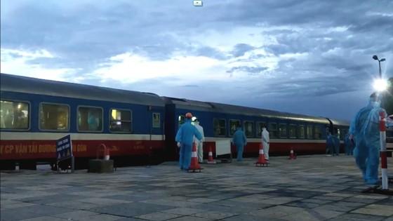 Hà Tĩnh đón 814 công dân từ TPHCM trở về quê an toàn ảnh 4