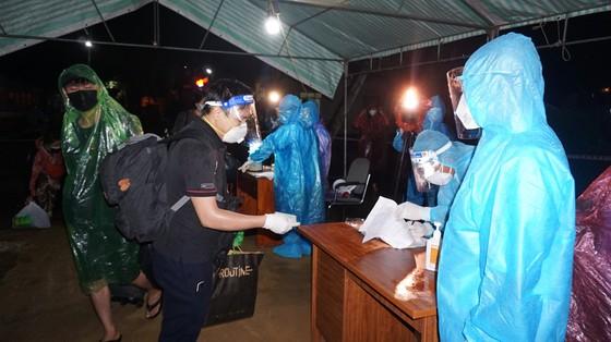 Hà Tĩnh đón 814 công dân từ TPHCM trở về quê an toàn ảnh 2