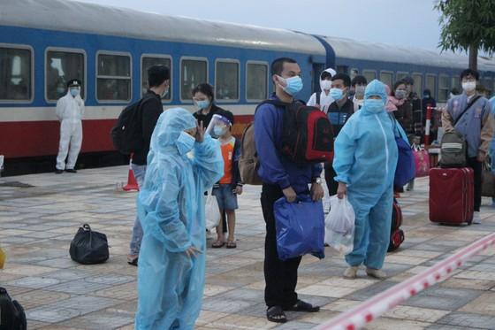Hà Tĩnh đón 814 công dân từ TPHCM trở về quê an toàn ảnh 7