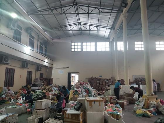 Người dân miền núi Hà Tĩnh tiếp tục quyên góp gần 120 tấn hàng hóa ủng hộ TPHCM và các tỉnh phía Nam ảnh 2