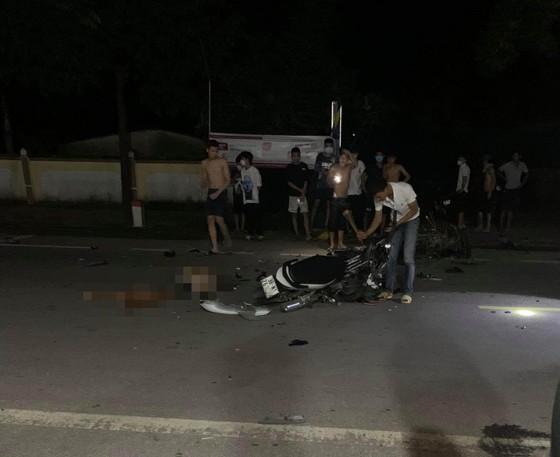 Hà Tĩnh: Hai xe máy tông nhau trong đêm, 4 người thương vong ảnh 1
