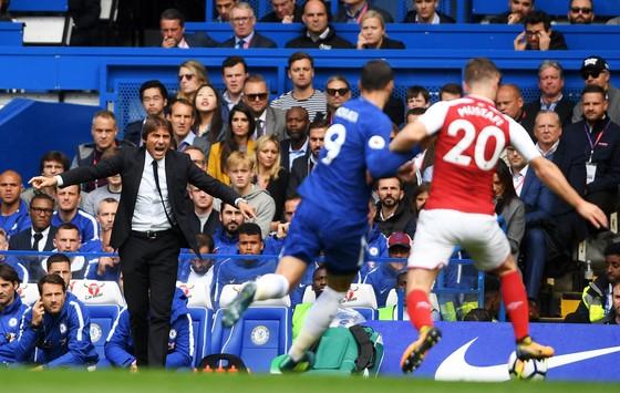 Nỗ lực của HLV Antonio Conte vẫn không đủ giúp Chelsea khời sắc trước Arsenal. Ảnh: Getty Images