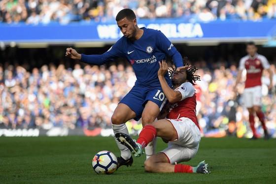 Gặp Arsenal là lần thứ 2 Eden Hazard (trái) ra sân từ ghế dự bị ở Premier League. Ảnh: Getty Images