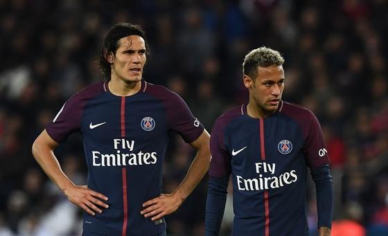 Sự rạn nứt trong mối quan hệ giữa Neymar (phải) với Edinson Cavani hầu như không thể hàn gắn được. Ảnh: Getty Images