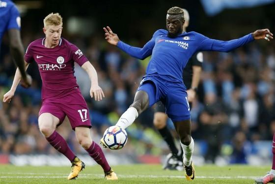 Kevin de Bruyne (trái) vừa gặp lại Chelsea và ghi bàn duy nhất giúp Man.City chiến thắng. Ảnh: Getty Images