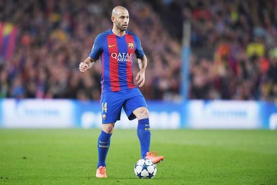 Mascherano mơ hồ về tương lai tại Barca. Ảnh: Getty Images