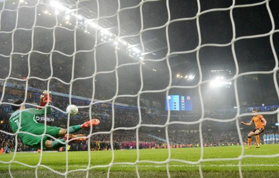 """Vòng 4 Cúp Liên đoàn Anh: Mourinho tiếp đòn """"dằn mặt"""" ảnh 1"""