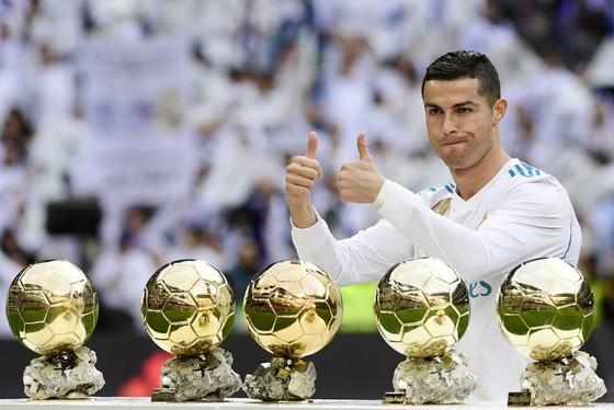 Cristiano Ronaldo Ronaldo bị chê bai không xứng với QBV. Ảnh: Getty Images