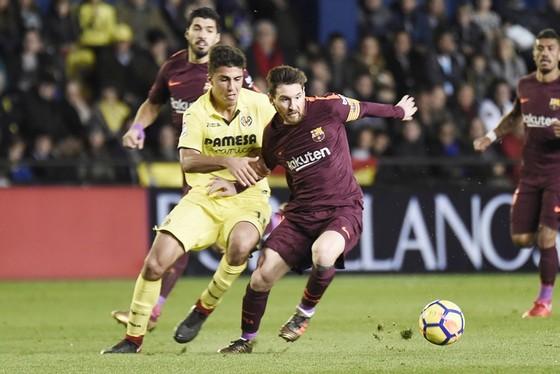 Messi ghi bàn ấn định chiến thắng cho Barca.