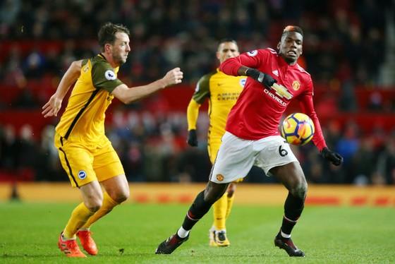 Paul Pogba (phải) là tiền vệ duy nhất có thể tạo khác biệt cho Man.United. Ảnh: Getty Images