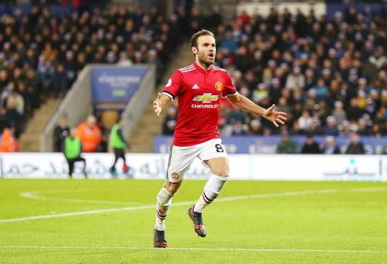 Đá chính 3 trận liên tiếp, kinh nghiệm của Juan Mata dường như đang được trọng dụng. Ảnh: Getty Images