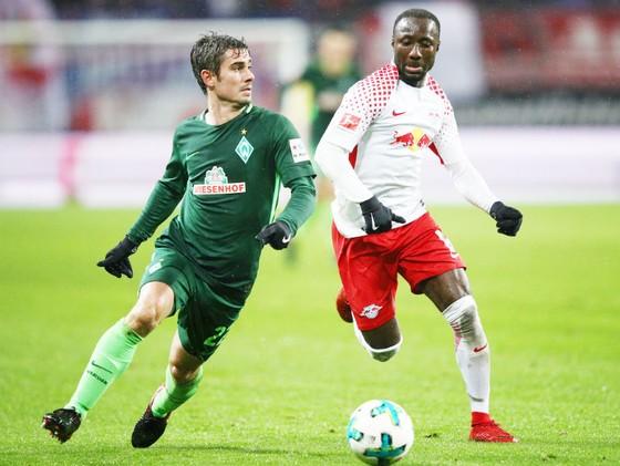 Naby Keita (phải) trong màu áo RB Leipzig. Ảnh: Getty Images