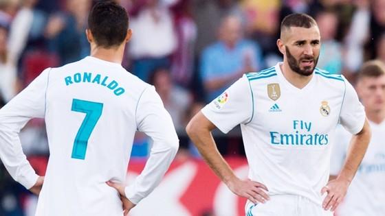 Ronaldo và Benzema đang thể hiện phong độ tệ hại. Ảnh Getty Images.