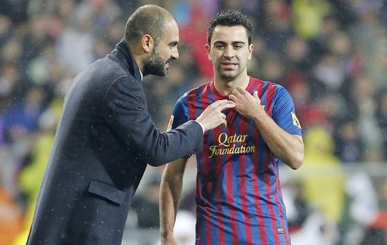 """Xavi: """"Man.City đã có De Bruyne, không cần Messi"""". ảnh 1"""