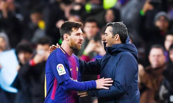 Messi và HLV Valverde đã khiến cho Celta có trận thua đậm. Ảnh: Getty Images