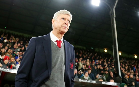 HLV Arsene Wenger đang có một trong những tháng Giêng tất bật nhất sự nghiệp tại Arsenal. Ảnh: Getty Images