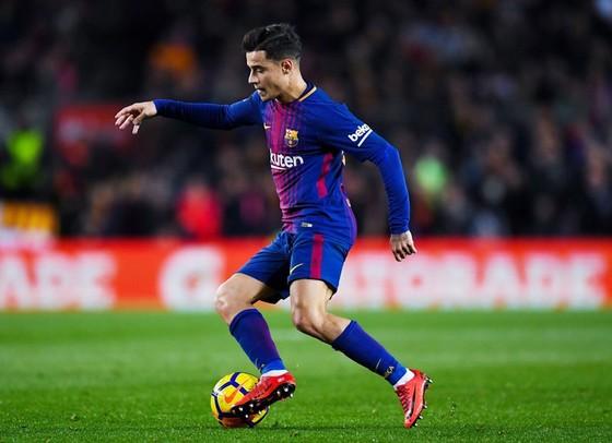 Coutinho chỉ phát huy khả năng khi được đá bên cánh trái. Ảnh: Getty Images