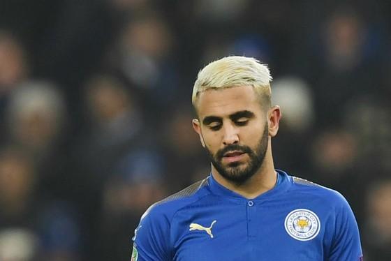 """Riyad Mahrez liệu sẽ khiến Leicester mất """"cả chì lẫn chài""""? Ảnh: Getty Images"""