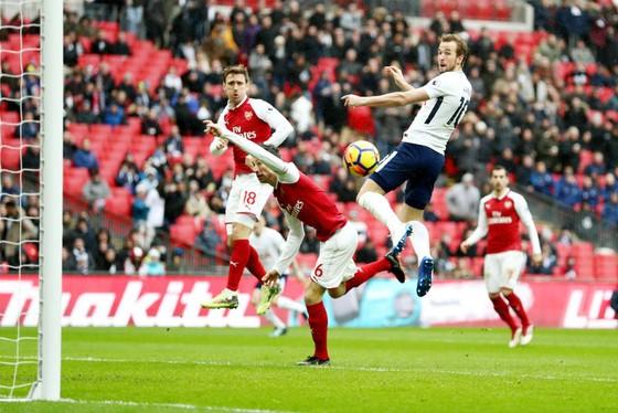 Tình huống Harry Kane đánh đầu ghi bàn thắng duy nhất. Ảnh: Getty Images