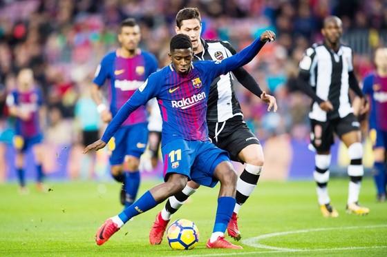 Dembele đang dần bị lãng quên tại Barca. Ảnh: Getty Images