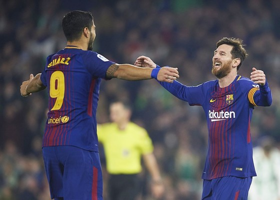 Hiệu suất ghi bàn của Messi và Suarez cao hơn 74 đội bóng tại châu Âu. Ảnh: Getty Images