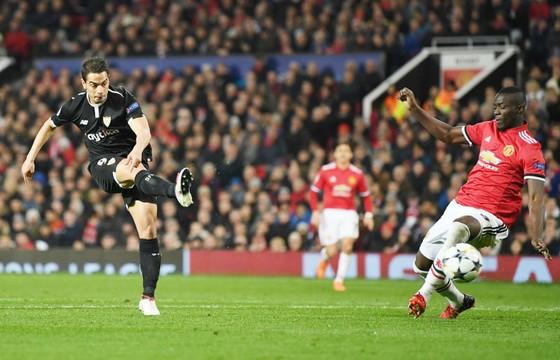 Man.United - Sevilla 1-2: Tự kết liễu mình ở Old Trafford ảnh 1