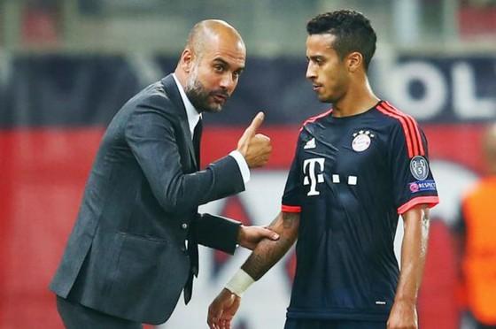 Thiago Alcantara sẽ chơi dưới quyền HLV Pep Guardiola một lần nữa? Ảnh: Getty Images