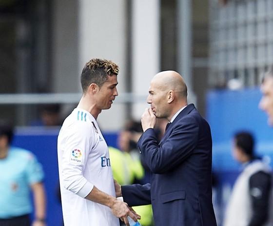Nhiệm vụ ghi bàn vào lưới Bayern, chỉ Ronaldo là không đủ ảnh 1