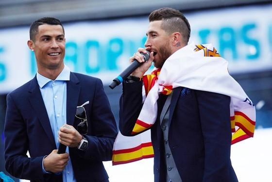 Ramos đã có tác động lớn đến quyết định ở lại của Ronaldo.  Ảnh: Getty Images